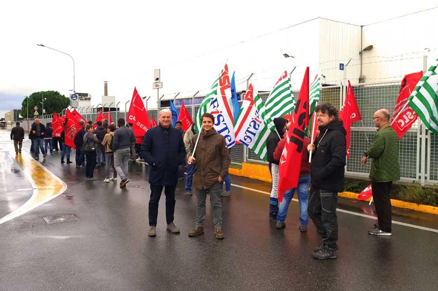 Sciopero e presidio di tutti i lavoratori del gruppo Pozzoni