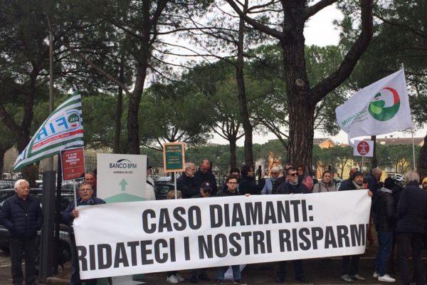 Caso diamanti: l'intervista a Piarulli e Cecchinato al presidio di Verona