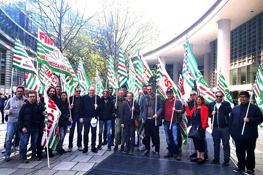 Commovente Flash Mob al Palazzo della Regione per fermare i morti sul lavoro