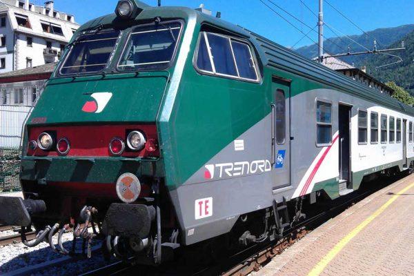 pendolari di Trenord e Trenitalia
